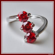 Diamantring rubinrot