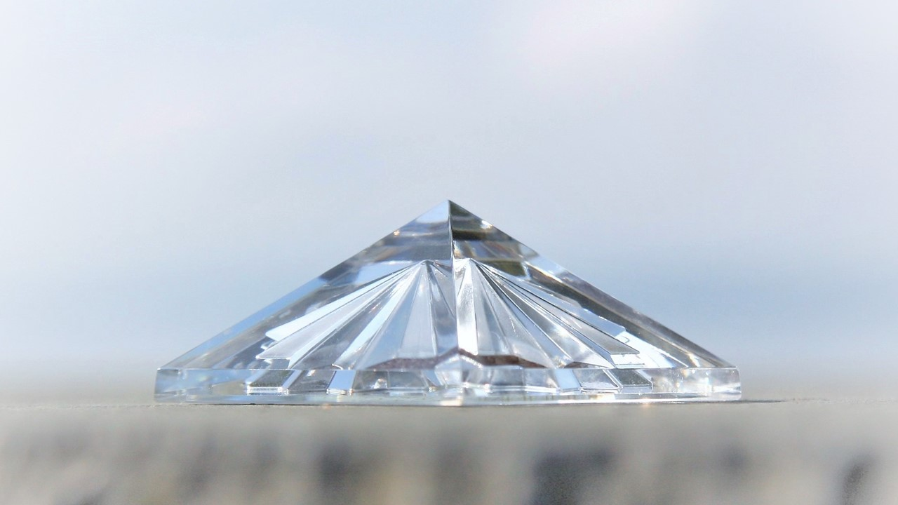 Lichtkristall des Monats: Manifestations-Pyramide