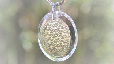 Lichtkristall des Monats: Blume des Lebens-Medaillon